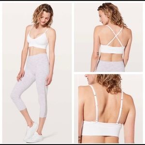 Lululemon Collection Awakening Bra White Sz. M